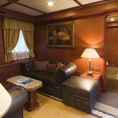 Seagull II Yacht VIP Salon Area