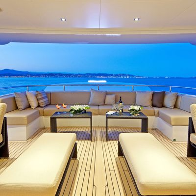 Seven S Aft Deck Seating