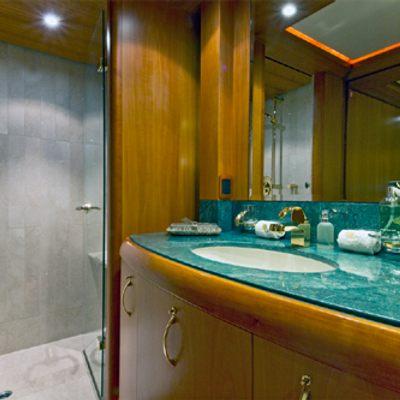Solaia Yacht Guest Bathroom