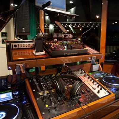 Tiara Yacht Music equipment