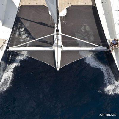Hemisphere Yacht Running Shot - Overhead