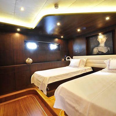Casa Dell Arte II Yacht Twin Stateroom