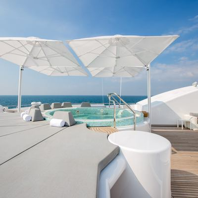 Moonlight II Yacht Sunbathing Area and Jacuzzi  - Sun Deck