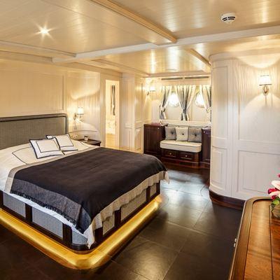 Taransay Yacht
