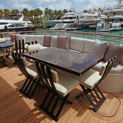 Carpe Diem Yacht Exterior Seating