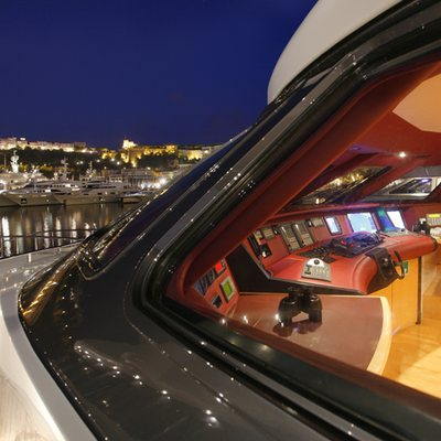 Ohana Yacht View into Bridge