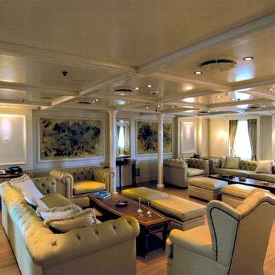 Elegant 007 Yacht Salon