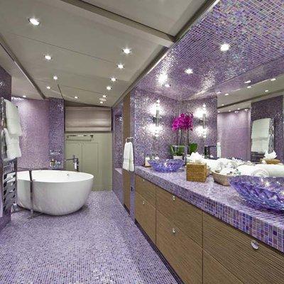 Daloli Yacht Master Bathroom