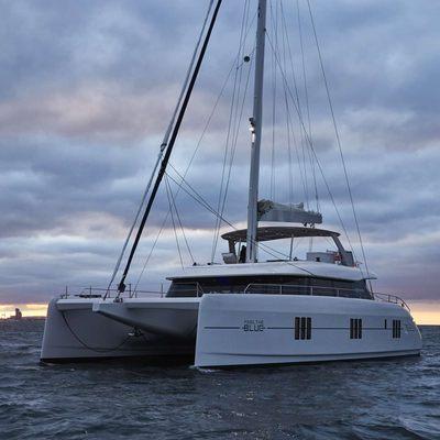 Feel the Blue Yacht