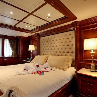 Nomad Yacht Master Stateroom