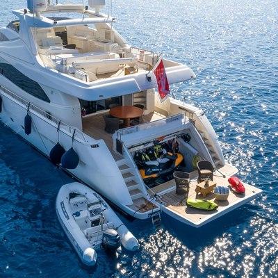Maxi Beer Yacht