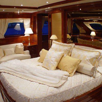 Aura Yacht Master Stateroom - Seating