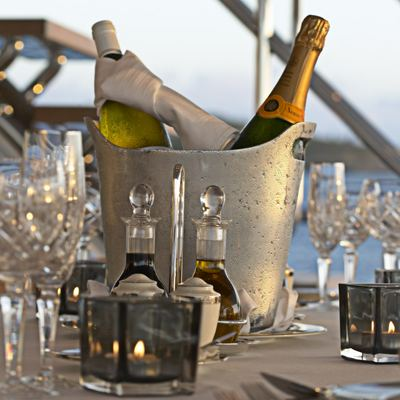 Harle Yacht Exterior Dining - Detail