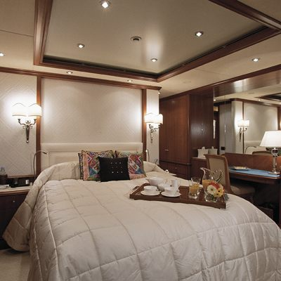 Jo Yacht Stateroom