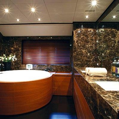 Annamia Yacht Master Bath
