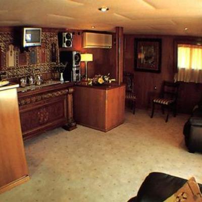 Eliki Yacht Salon