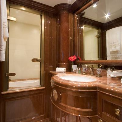 Aura Yacht Bathroom - Detail