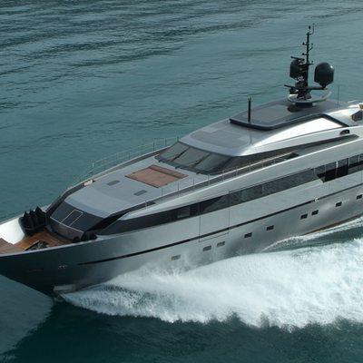 4A Yacht Running