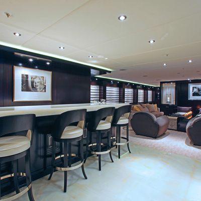Carpe Diem Yacht Bar Seating