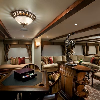 Empire Sea Yacht Salon