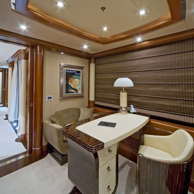 Latitude Yacht Small Salon