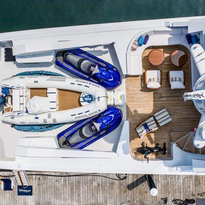 Wonderland Yacht