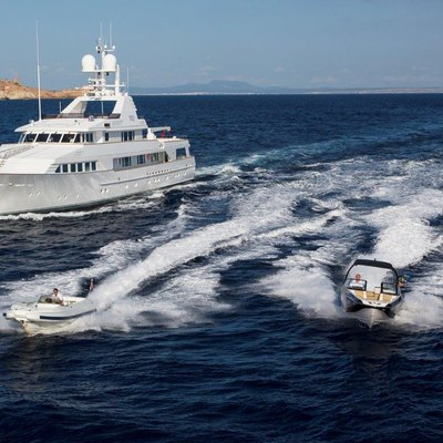 MQ2 Yacht