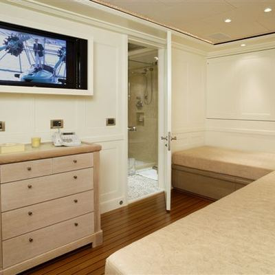 Perle Bleue Yacht Twin Stateroom