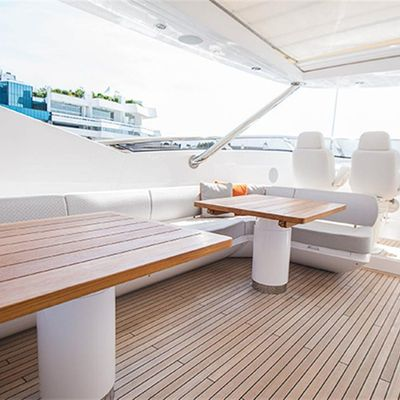 Settlement Yacht