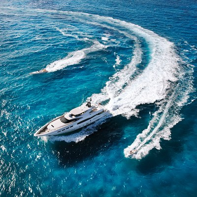 Infinity Pacific Yacht