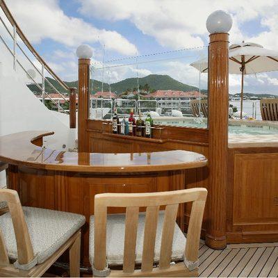 Freedom Yacht Bar & Jacuzzi
