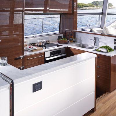 ShawLife Yacht