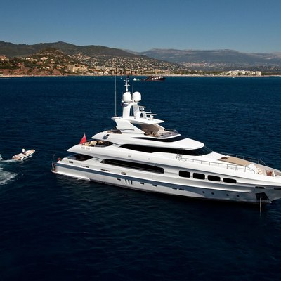 Seven S Yacht Overview