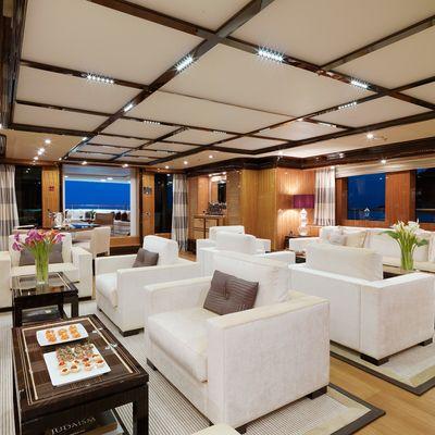 Meamina Yacht Main Saloon