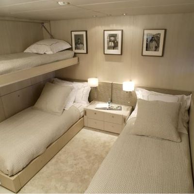 Red Dragon Yacht Twin Stateroom - Pullman