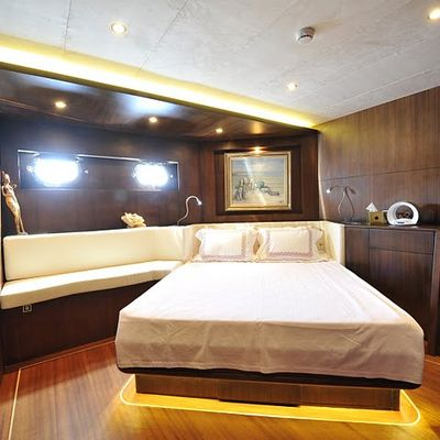 Casa Dell Arte II Yacht Guest Stateroom