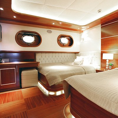 Carpe Diem IV Yacht Twin Stateroom