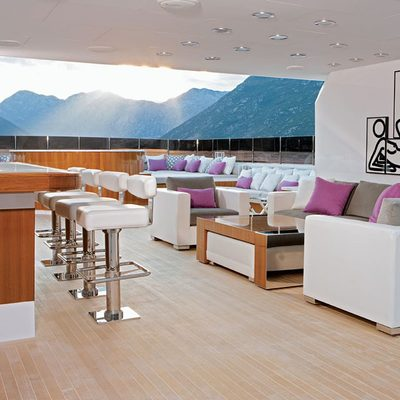 Carpe Diem Yacht Exterior Bar under Hardtop