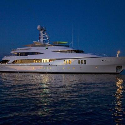 Diamond Yacht Profile - Night