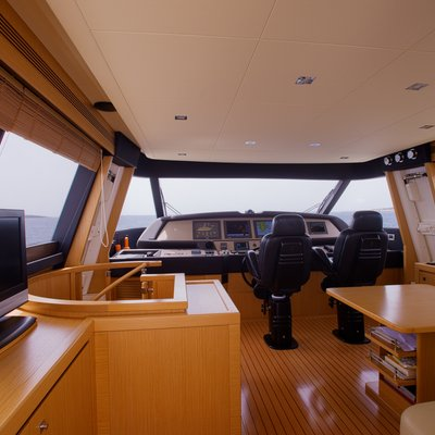 Dana Yacht