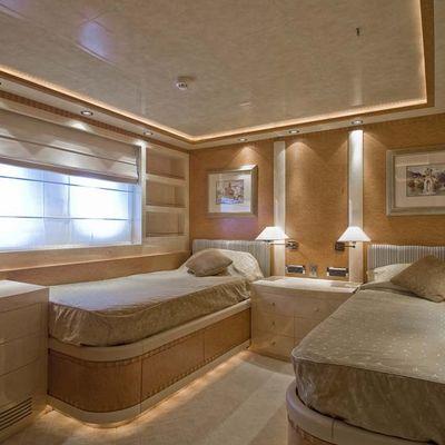 O'Neiro Yacht Twin Stateroom - Light