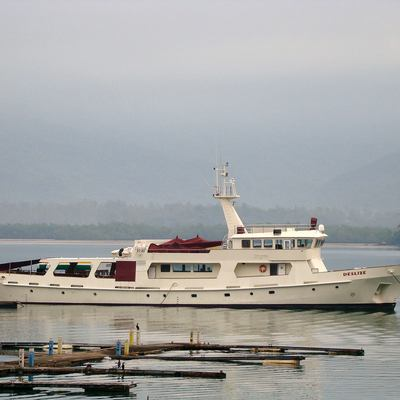 Deslize Yacht Profile