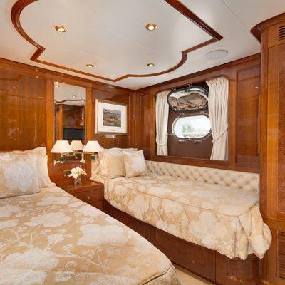 Siete Yacht