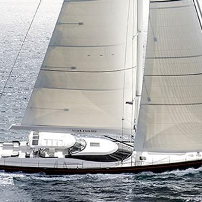 Bliss Yacht Running