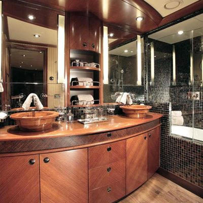 Usher Yacht Bathroom