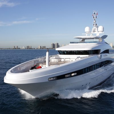 Inception Yacht Front View