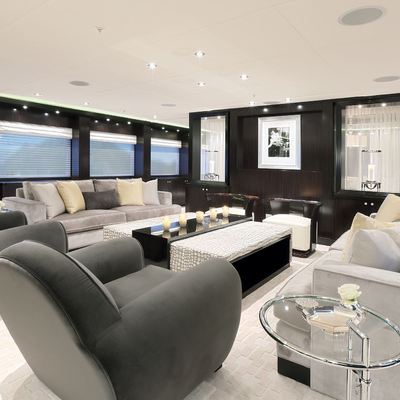 Carpe Diem Yacht Main Salon - Forward