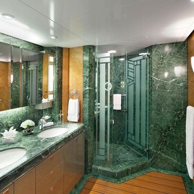Sycara V Yacht Guest Bathroom - Green
