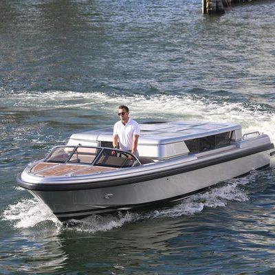 Luna B Yacht