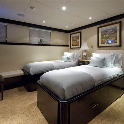 L'Albatros Yacht Twin Stateroom